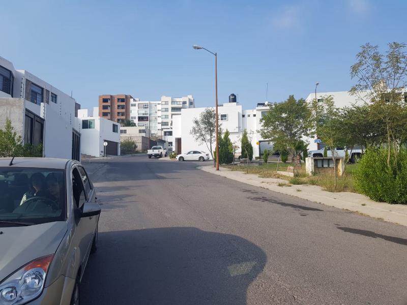 Renta de Terreno  en San Luis Potosi en lomas del tecnologico