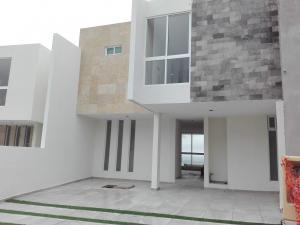 Venta de Casa en FRACCIONAMIENTO CAMPO AZUL