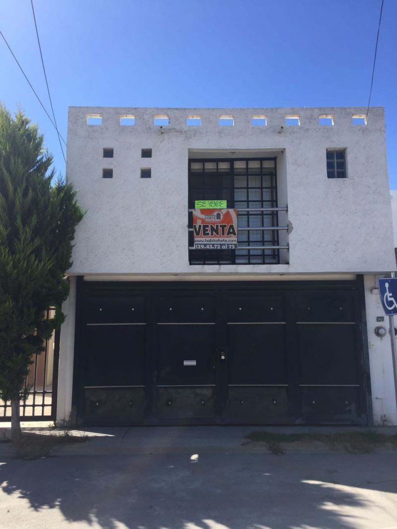 Venta De Casa En San Luis Potosi En Hacienda De Santiago
