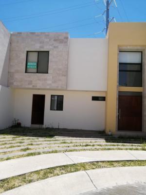 Renta de Casa en PRIVADA SAN ANGEL 1