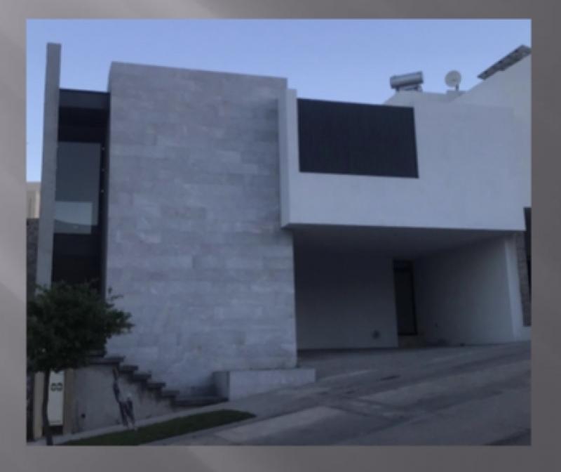 Venta de Casa  en San Luis Potosi en FRACCIONAMIENTO DEL ROBLE